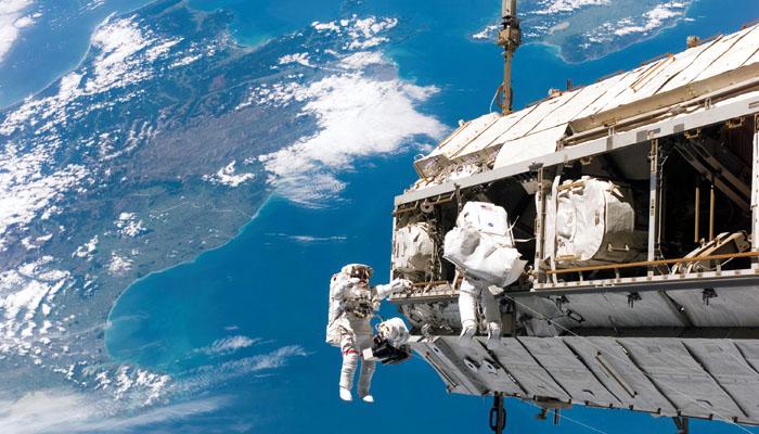 Donald Trump va trimite din nou astronautii americani pe Luna si chiar pe Marte