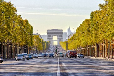 Bulevardul Champs-Elysees, rezervat pietonilor o duminica pe luna