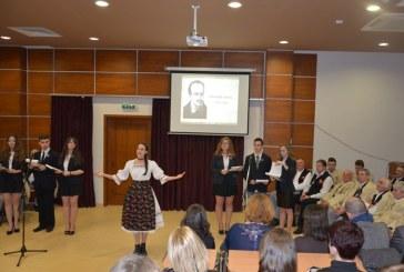 Elevii si profesorii de la Sincai au sarbatorit aniversarea patronului spiritual al liceului