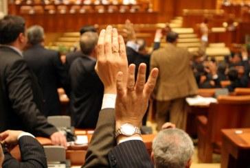 Senat: Propunerea legislativa pentru reducerea numarului de parlamentari la 300, respinsa