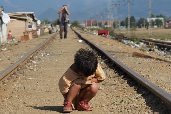 Violenta impotriva copiilor in comunitatile de romi, in atentia autoritatilor
