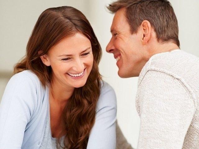 Femeie femeie intalnire cautand clapeta de femeie
