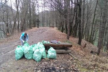 Baimarenii, chemati sa participe la actiunea de ecologizare a barajului Firiza, demarata de Martisor (VIDEO)