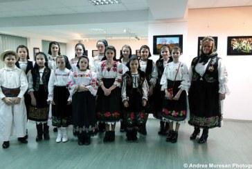 """Expozitia de fotografie """"Salonul de primavara"""" a ajuns si in Baia Mare (FOTO)"""
