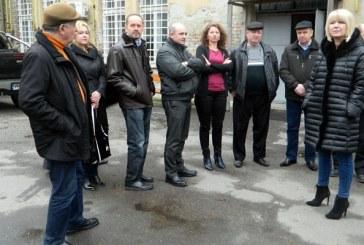 Consilierii locali, vizita in teren la Serviciul de Evidenta a Persoanelor si Directia de Venituri (FOTO)