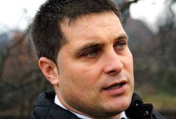 Vladimir Petrut strange semnaturi pentru a-si putea depune candidatura la Primaria Cavnic