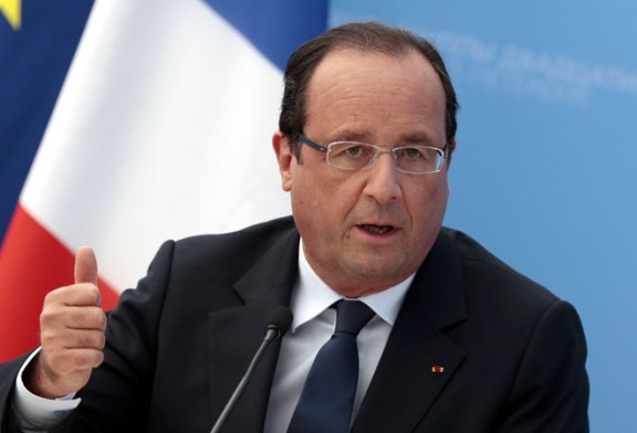Franta: Hollande afirma ca imigrantii de la Calais vor fi transferati in centre din intreaga tara