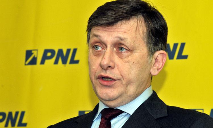 Crin Antonescu: Nu sunt implicat in batalia pentru conducerea PNL
