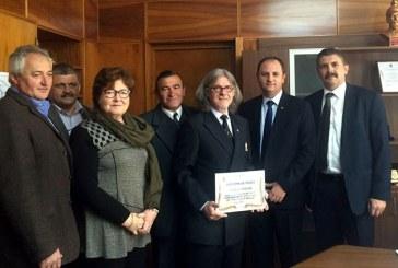 Prefectul Sebastian Mihai Luput i-a oferit o diploma de merit lui Loic Thetio
