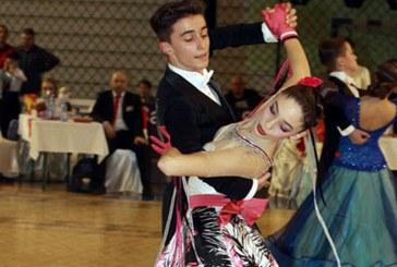 """Noua finale si sase medalii pentru Galactic Dance la """"Cupa Floris si Campionatul National de Formatii"""" din Bistrita (FOTO)"""