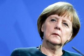 Merkel promite mai mult ajutor in deportarea solicitantilor de azil ale caror cereri sunt respinse