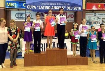 """Sapte medalii pentru Prodance 2000 la Cupa """"Latino Angels"""" din Dej (FOTO)"""