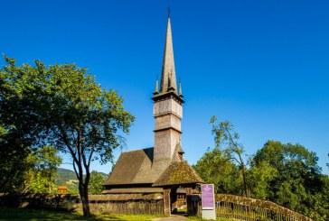 """""""Circuitul bisericilor de lemn din Transilvania"""": O lectie de etnografie, la Sacalaseni"""