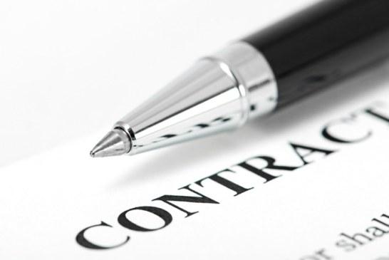 Numărul contractelor de muncă suspendate creşte uşor luni, iar cel al contractelor încetate ajunge la peste 260.000
