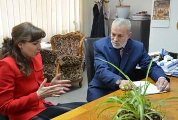Ministrul mediului, Cristiana Pasca-Palmer, s-a intalnit cu  subprefectul Alexandru Bondrea