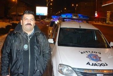 Ghita (S)Perian, seful Politiei Locale, isi cauta diplomele. Intamplator, nu le gaseste. Oare ce-i de facut?
