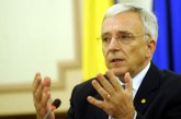 Isarescu: Oamenii trebuie sa priceapa ca pot cere statului scoli si spitale civilizate doar daca-si platesc taxele