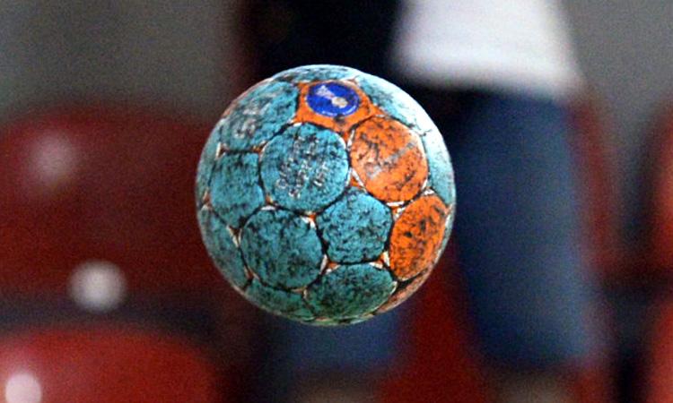 Handbal feminin: Fetele de la Minaur castiga in deplasarea de la Craiova