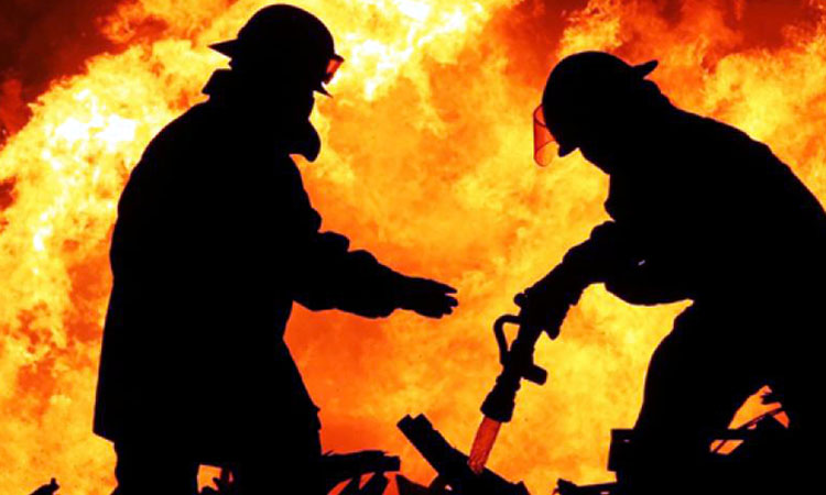 O persoana de 63 de ani s-a ales cu arsuri in urma unui incendiu izbucnit intr-un apartament din Baia Mare