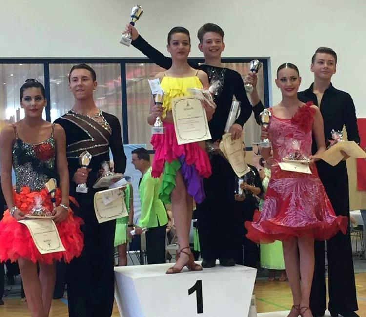 rus team dansatori