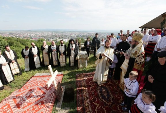Piatra de temelie pusa la biserica primului asezamant monahal ortodox din Baia Mare