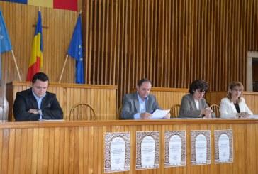 Sebastian Luput le-a cerut secretarilor sa asigure relatia dintre primarii si Institutia Prefectului
