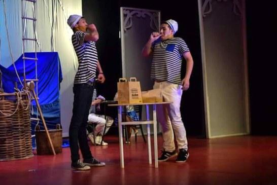 """Teatru: Elevii de la Liceul Teoretic """"Emil Racovita"""" vin in fata publicului cu o noua piesa (FOTO)"""