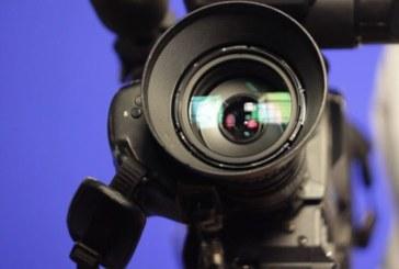 EDITORIAL: Cat costa demnitatea unui jurnalist?