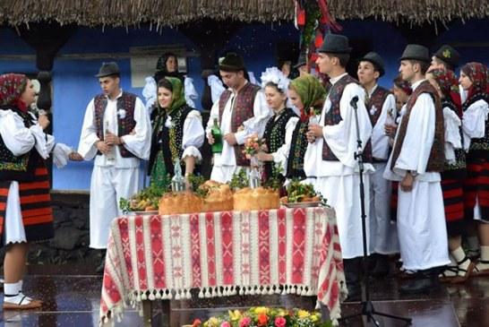 O noua zi – o noua nunta la Muzeul Satului din Baia Mare (FOTO)