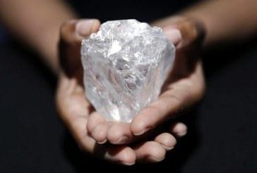 Cel mai mare diamant brut din lume nu a fost cumparat de nimeni la o licitatie organizata la Londra