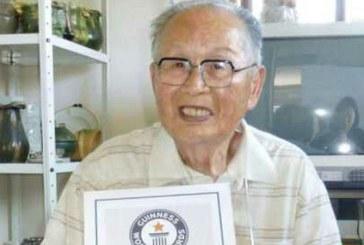 Un japonez de 96 de ani a devenit cel mai varstnic absolvent universitar