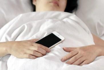 Utilizarea retelelor de socializare, asociata cu un somn precar la adolescenti