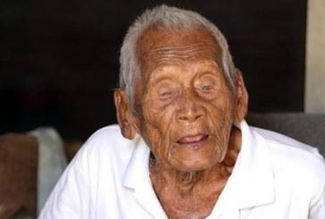 Un indonezian sustine ca are 145 de ani, iar cartea sa de identitate ii confirma afirmatia