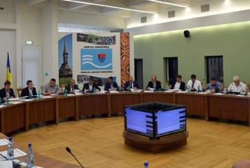 Consiliul Judetean premiaza absolventii cu nota 10 la Bacalaureant si Evaluarea Nationala