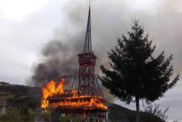 Incendiu la biserica din Rozavlea: Autoritatile vor oferi sprijin pentru reconstruirea lacasului de cult