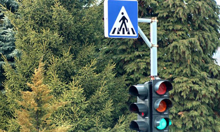 Baia Mare: Minora de 14 ani, accidentata de un autoturism pe trecerea de pietoni