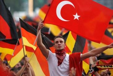 Politicieni germani, ingrijorati de influenta Ankarei asupra turcilor din Germania