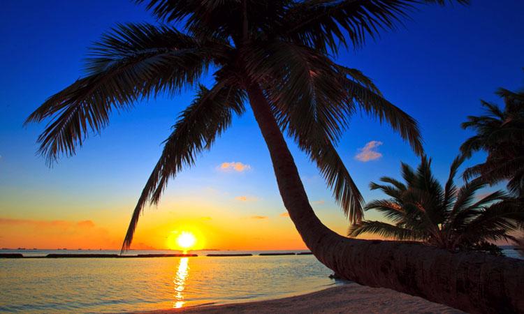 Kurumba-Maldives-resort-sun