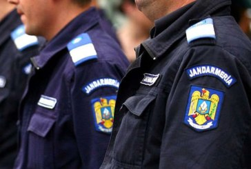 "Campania ""Fara penali in functii publice"" obstructionata: Jandarmii au intrerupt conferinta de presa a USR Maramures (VIDEO)"