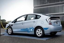 Înmatriculările maşinilor cu motoare parţial hibride au crescut de aproape 4 ori în prima jumătate a anului