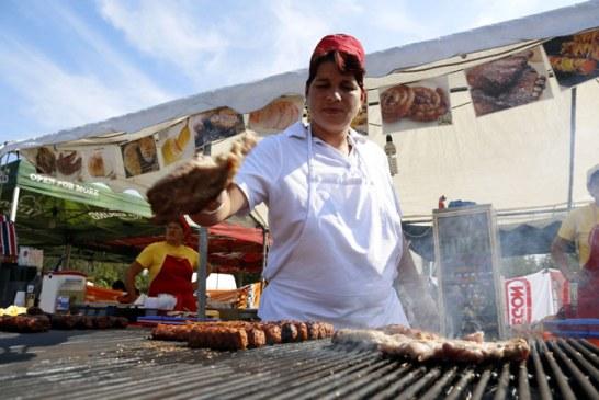Micii traditionali rotunjesc profiturile procesatorilor de carne in minivacanta de 1 Mai