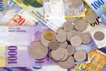 Acelasi curs pentru dolar si francul elvetian