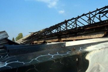 Incendiu la acoperisul unei hale din Sighetu Marmatiei (FOTO)