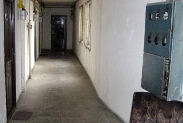 """De la cititori: Imobilul """"ghetou"""" din buricul targului! (FOTO)"""