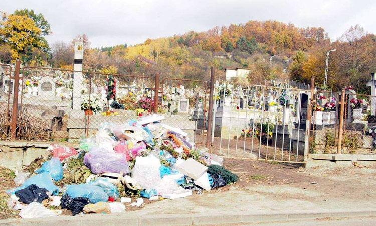 gunoaie-cimitire-3
