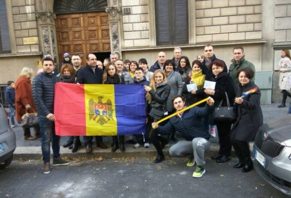 Cetatenii moldoveni nemultumiti de noul presedinte: Petitie pentru anularea alegerilor parlamentare din Republica Moldova