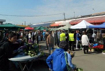 REALITATE – Laptele vândut în stradă , practică încă întâlnită în piețele din Baia Mare