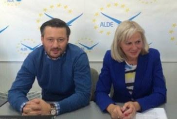 """Prima zi de campanie: ALDE Maramures a creat un """"Maramures uman"""", in Centrul Vechi din Baia Mare (FOTO & VIDEO)"""