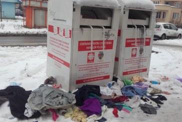 Culmea nesimtirii: Containerele Caritas din Baia Mare, pradate de romi