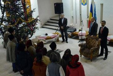"Gabriel Zetea: Cete de colindatori au dat startul actiunilor ""Craciun in Maramures"" (FOTO)"
